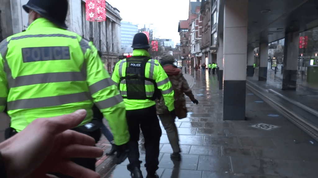 notts.online police arrest protesters uk stand up vlcsnap 2021 01 07 19h41m55s385