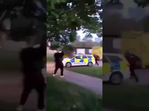 Police Assaulted on Camera, Car Stolen #notts