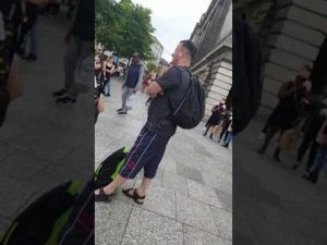 Public Freakout, breakdance competition starts?